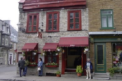040920 14 Quebec Lunch at Restaurant Le Cavour e.JPG